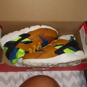 Toddler Huarache sneakers 10c